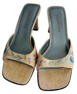 Bandolino Upper Skid Proof Sole Straw with Floral Embroidery Sandals