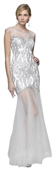 Item - White and Silver 3110 Long Formal Dress Size 12 (L)