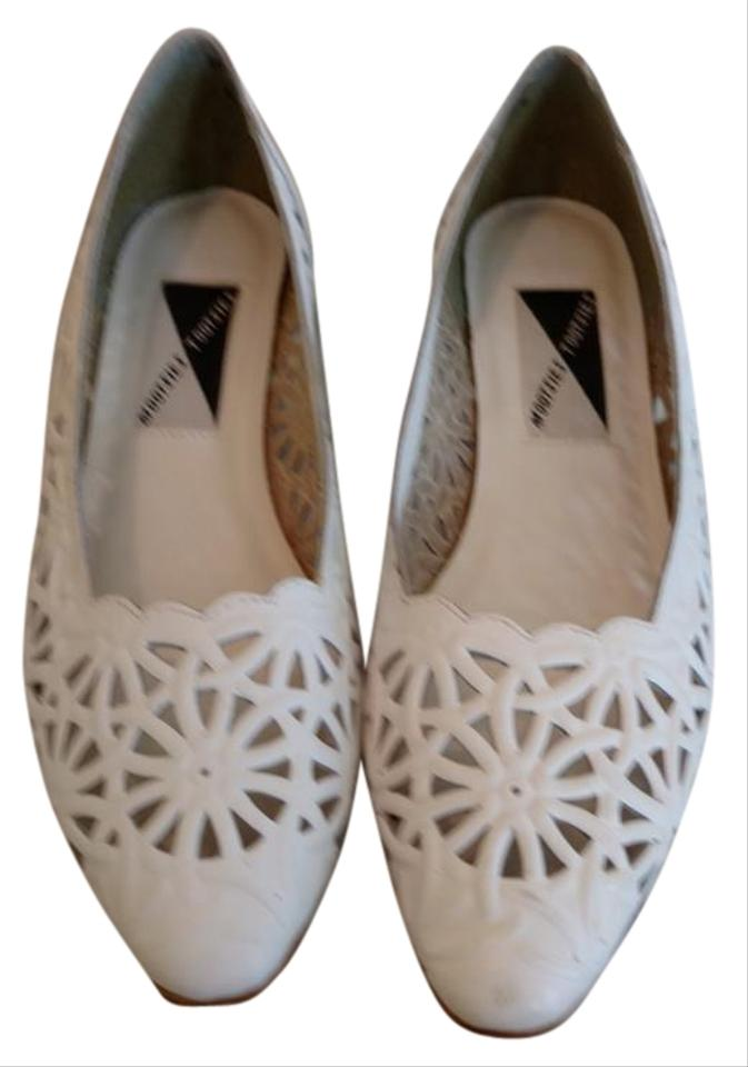 b4f5942e8d3 Mootsies Tootsies Leaher Upper Cut Work Design Low Stack Heel Made In  Brazil White Flats Image ...