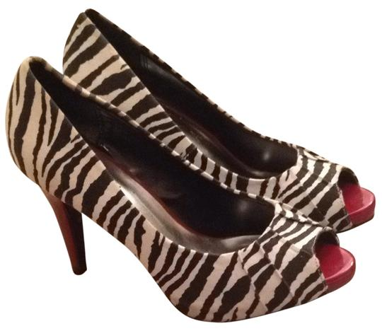 Preload https://item1.tradesy.com/images/candie-s-zebra-and-red-pumps-1700165-0-0.jpg?width=440&height=440