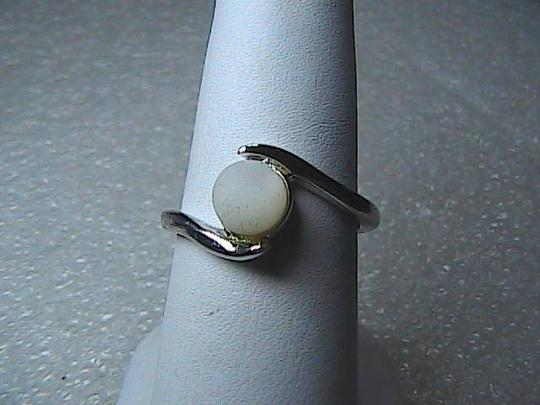 Vintage Sterling Silver White Pearl Cabochon Ring