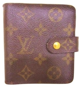 Louis Vuitton Mongram Bifold Wallet
