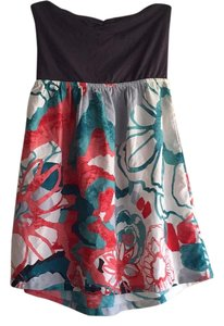 Roxy short dress Gray top with flower print on Tradesy