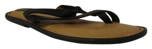 Børn Born Slip On Patent Leather Thong Style Black Sandals