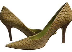 Nine West Lime/light green alligator print Pumps