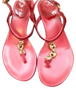 Gucci Cerise. Sandals