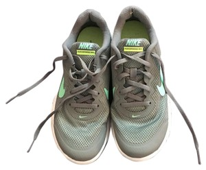 Nike Grey and mint green Athletic