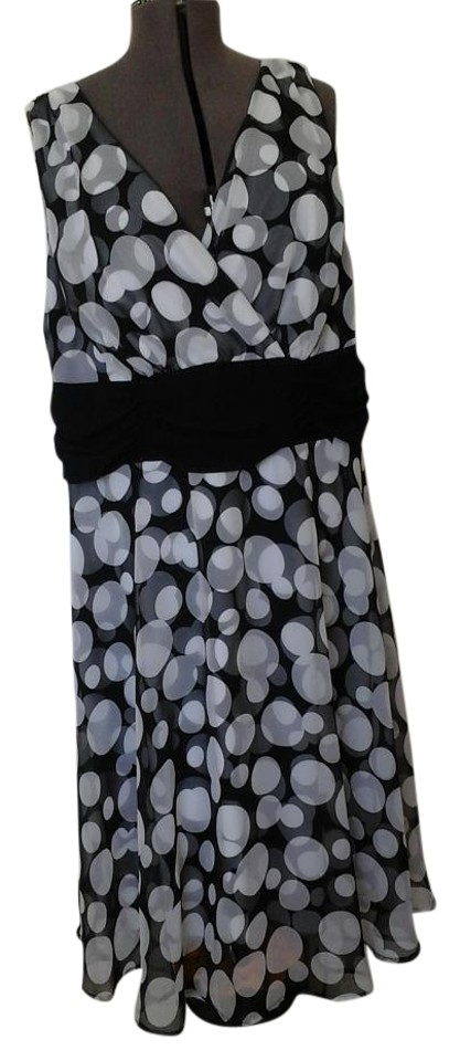 ab8c813ad8e0 Connected Apparel Black White Polka Dots Woman Knee Length Cocktail ...