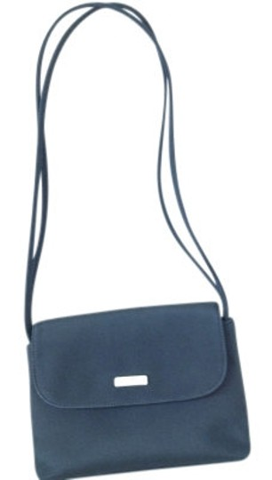Preload https://item5.tradesy.com/images/nine-west-small-purse-black-shoulder-bag-17009-0-0.jpg?width=440&height=440
