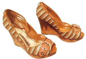 BCBGeneration Multi Wedges