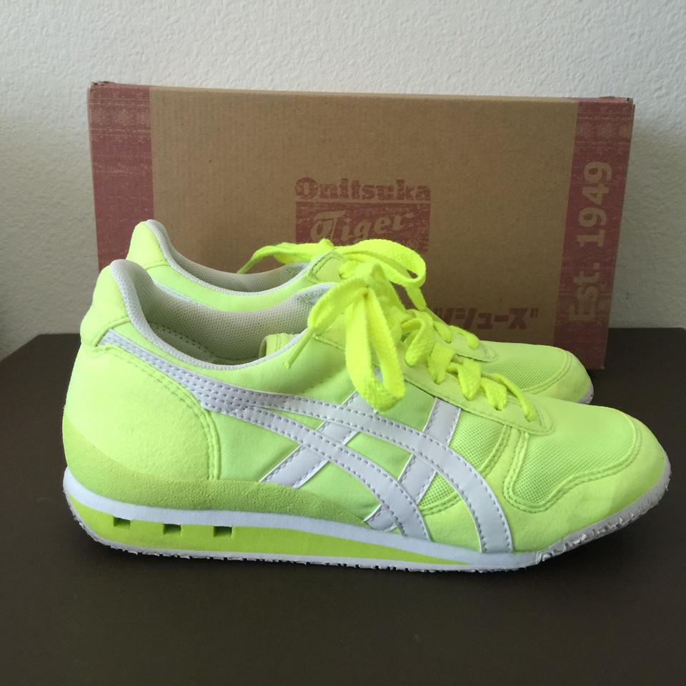 pretty nice fd358 23c55 Onitsuka Tiger Neon Yellow/White Ultimate 81 Sneakers Size US 6 Regular (M,  B)