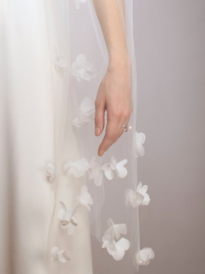 Ivory Medium Chiffon Flowers Couture