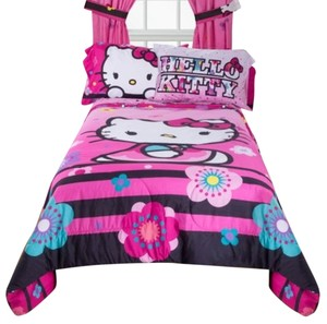 Hello Kitty Hello Kitty Full/Twin 2 Sided Print Comforter