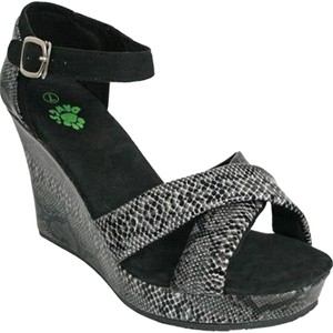 DAWGS Kaymann Black Diamondback Wedges
