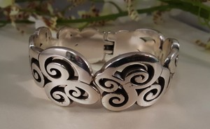 Gorgeous silver plated Bangle ...