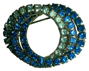 Vintage Rare Vintage triple Circle rhinestone Brooch shades of blue