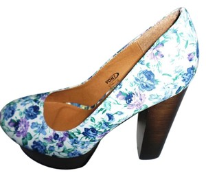 Yoki Blue Multi Color Pumps