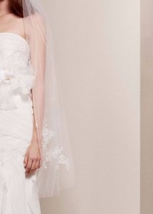 Vera Wang Vw351146 Ivory Wedding Dress