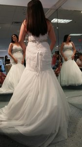 Alfred Angelo White Soft Net 2458 Formal Wedding Dress Size 8 (M)