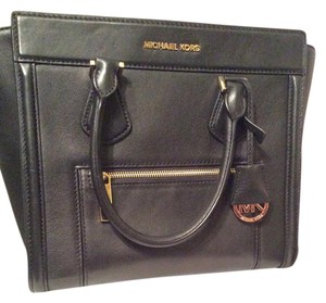 Michael Kors Mk Discontinued Satchel in Black