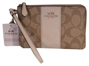 Coach Nwt New With Tags Wristlet in Khaki / Chalk
