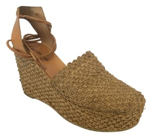 Robert Clergerie Tan Wedges