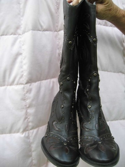 Gianni Bini & Dark and Medium Brown Boots