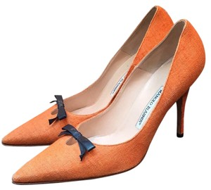 Manolo Blahnik Soft linen orange Pumps
