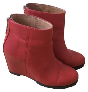 Mini Market Red Wedges