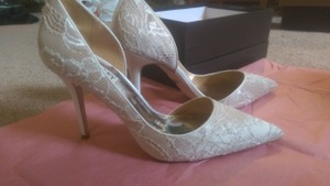 Badgley Mischka Bridal Ivory Lace Mump Wedding Shoes