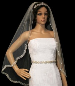 Rhinestone Beaded Embroidery Fingertip Wedding Veil