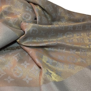 Louis Vuitton LOUIS VUITTON MONOGRAM SHINE SHAWL SCARF WOVEN GOLD METAL YARN