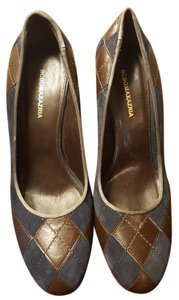 BCBGMAXAZRIA Navy and Chocolate Pumps