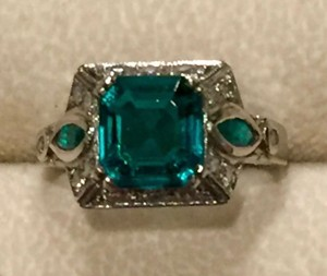 FABULOUS ART DECO EMERALD, DIAMOND & PLATINUM VINTAGE ANTIQUE RING