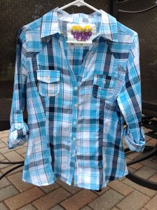 Derek Heart Fitted Plaid Light Weight Blue Casual Button Down Shirt Blue Plaid