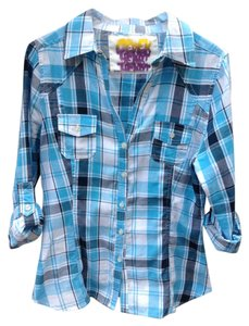 e1c53eb2ad8c5 Derek Heart Fitted Light Weight Casual Button Down Shirt Blue Plaid