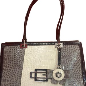 Guess Tote in Grey, Beige And Black