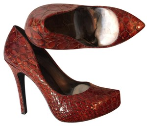 Jessica Simpson Wine Red Pumps