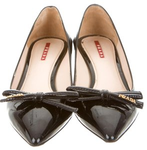 Prada Pointed Toe Patent Leather Gold Hardware Logo Bow Black Pumps