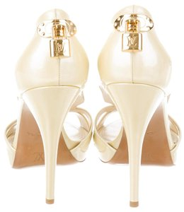 Louis Vuitton Patent Leather Gold Hardware Lock Lv Oh Really Ivory, Gold Pumps