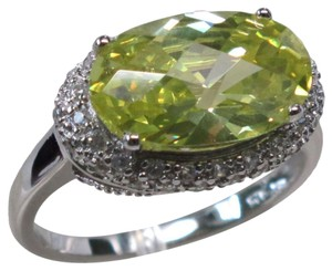 9.2.5 unique huge oval peridot and white topaz cocktail ring size 9
