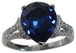9.2.5 Gorgeous blue and white sapphire royal cocktail ring size 6