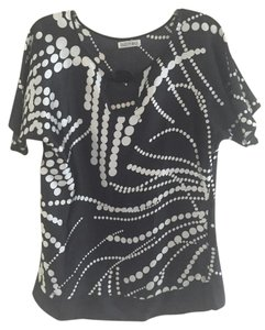 Kaelyn-Max Top Black with white design