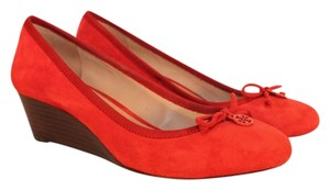 Tory Burch Chelsea Size 7 1/2 Red Wedges