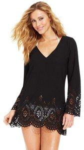 Kenneth Cole Reaction KENNETH COLE BLACK V NECK LASER CUT LONG SLEEVE COVERUP XL