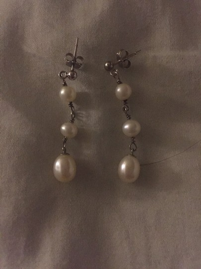 Other Pearl Teardrop Earrings