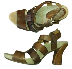 Earthies Platform Strappy brown Sandals
