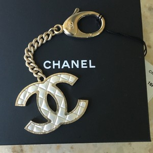 Chanel Chanel Classic CC Gold Pearl Key Chain Bag Charm