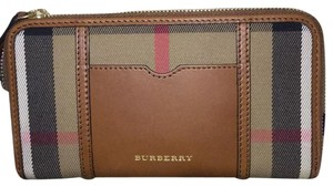 Burberry Ziggy Zip Wallet