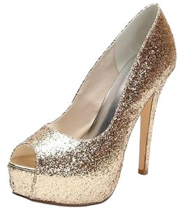 LOSLANDIFEN Gold Pumps